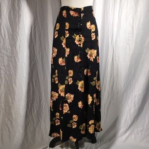 Vintage Maggie Lawrence Button Front Maxi Skirt 🦖